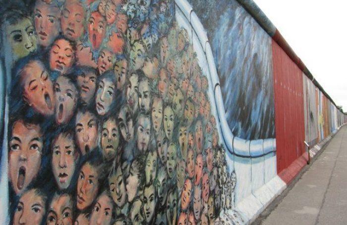 tour-italiano-muro-di-berlino